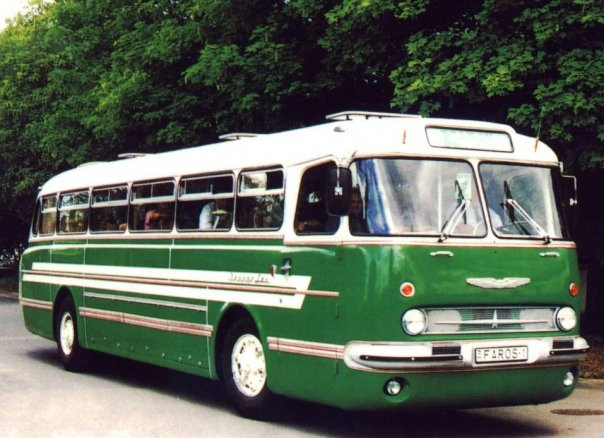 es wird ein bus ikarus 55 zum verkauf angeboten. Black Bedroom Furniture Sets. Home Design Ideas