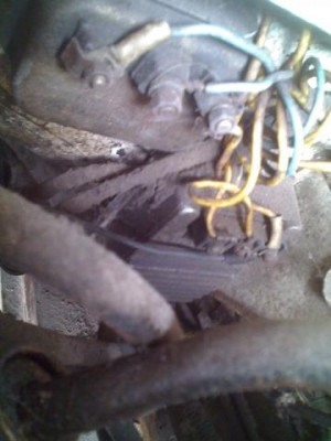 Интересует назначение того, к чему присоединены провода. По идее - комутатор и ....... - 0330_173212.jpg
