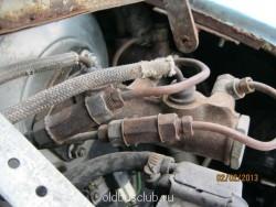 На трубках выходящих из ГТЦ к рабочим тормозным цилиндрам, видны нагнетательные клапана, которые облегчают процесс прокачки системы. - IMG_0264.JPG