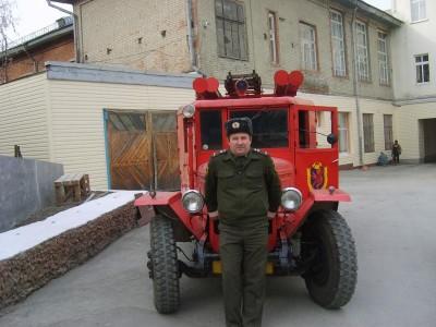 Прекрасная машина, жаль начальство из рабочей машинки памятник сделало  - раритеты 005.jpg