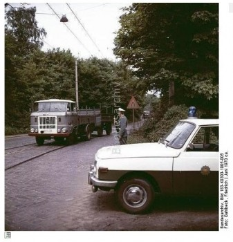 ФОТОМАТЕРИАЛЫ ИЗ БУНДЕСАРХИВА Сборочная линия в КАРЛ-МАРКС-ШТАДТЕ  - 3 (4).jpg