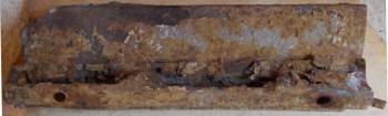 Изготовление крепления брызговиков РАФ - ржавчина пенала.JPG