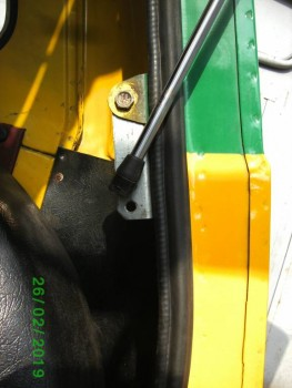 Механизм подъёма двери багажника - PICT2633.JPG