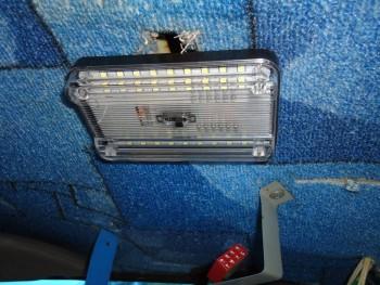замена водительского светильника купил на Али 215 р. светит хорошо работает от вкл. и от салонной двери - пока переделаю на передние двери - DSC03337.JPG