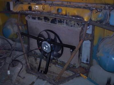 Установка радиатора и двигателя ВАЗ на Т-2 - вентилятор.JPG
